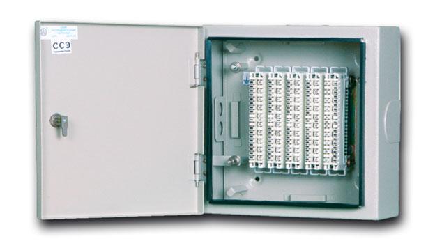 Фото: Шкаф распределительный настенный на 50 пар со спецзамком и с 5-ю плинтами