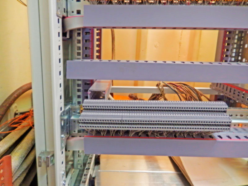 Фото второго этапа монтажа станционного кросса КАТС