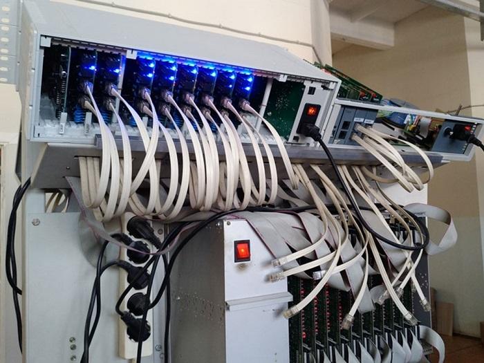 Оборудование для систем связи: гибридная АТС МАКСИКОМ MP48/MP80.